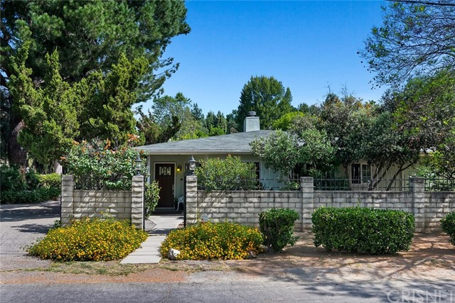 5800 Winnetka Avenue, Woodland Hills, CA 91367
