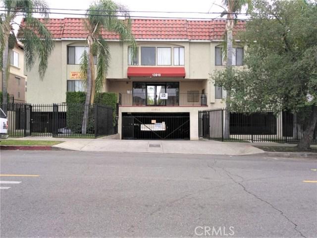 13910 Sayre Street, Sylmar, CA 91342
