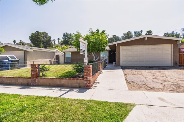 27314 Crossglade Avenue, Canyon Country, CA 91351
