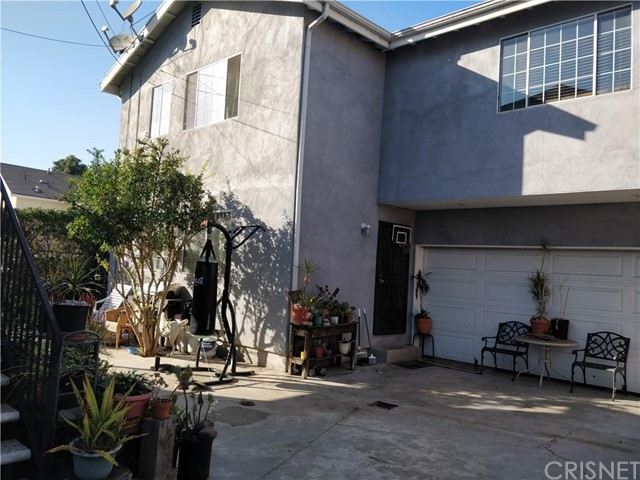 1587 W 35th Place, Los Angeles, CA 90018
