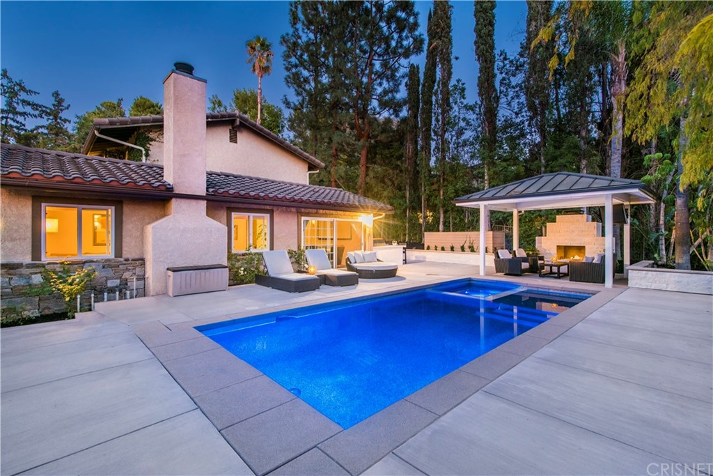 Photo of 4710 DEL MORENO Drive, Woodland Hills, CA 91364
