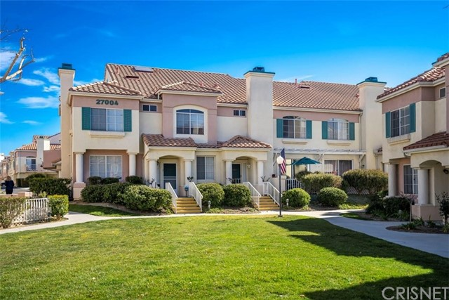 27004 Karns Court 21004, Canyon Country, CA 91387