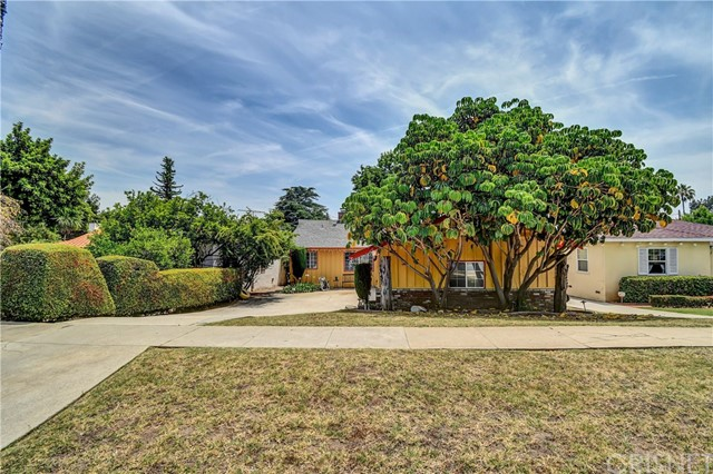 94 E Mariposa Street, Altadena, CA 91001