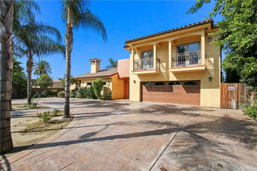 Photo of 7735 COLDWATER CANYON Avenue, North Hollywood, CA 91605