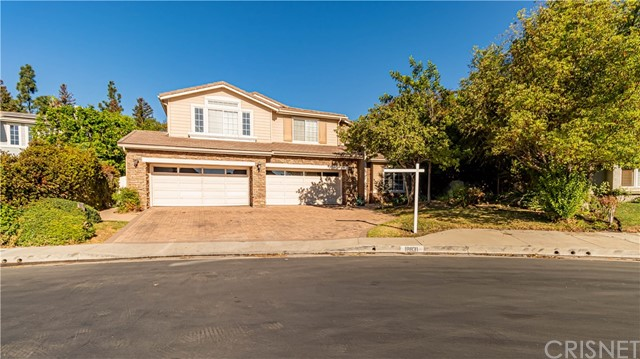 Photo of 18831 Willowtree Lane, Northridge, CA 91326
