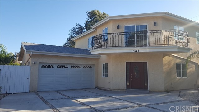 8528 VANALDEN, Northridge, CA 91324
