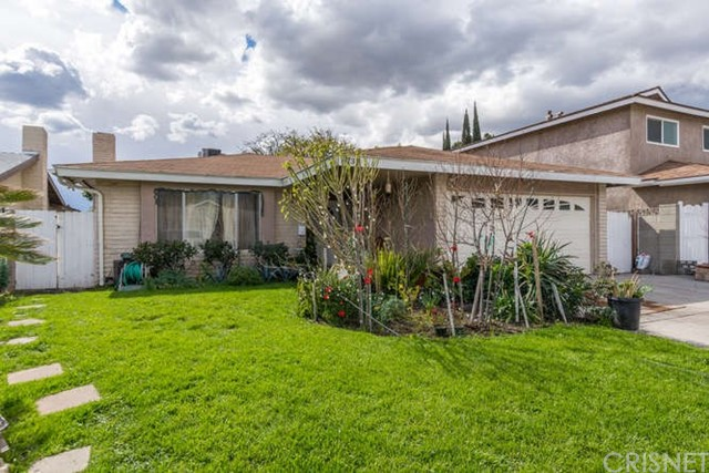 8737 Omelveny Avenue, Sun Valley, CA 91352