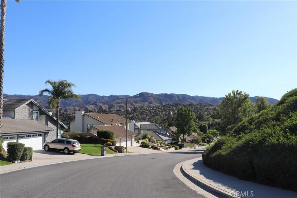 25430     Cariz Drive, Valencia CA 91355