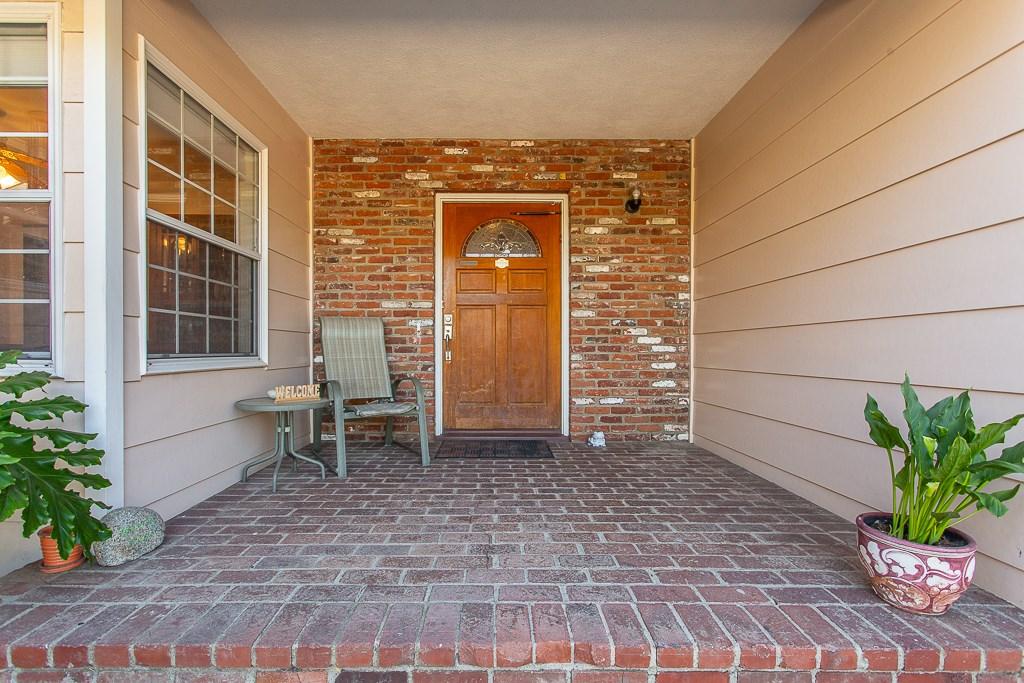 8981 White Oak Av, Sherwood Forest, CA 91325 Photo 2
