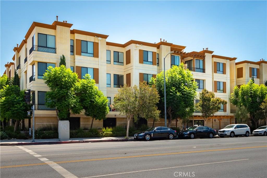 Photo of 6938 LAUREL CANYON BOULEVARD #308, North Hollywood, CA 91605