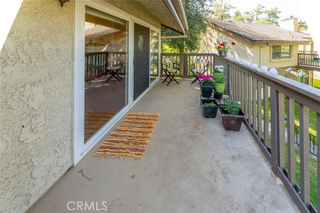 20. 66 Mockingbird Court Oak Park, CA 91377