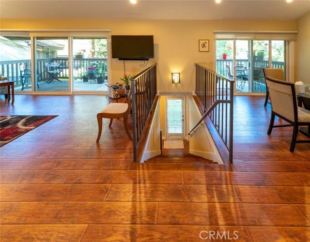 3. 66 Mockingbird Court Oak Park, CA 91377