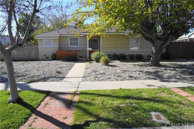 8201 Delco Avenue, Winnetka, CA 91306