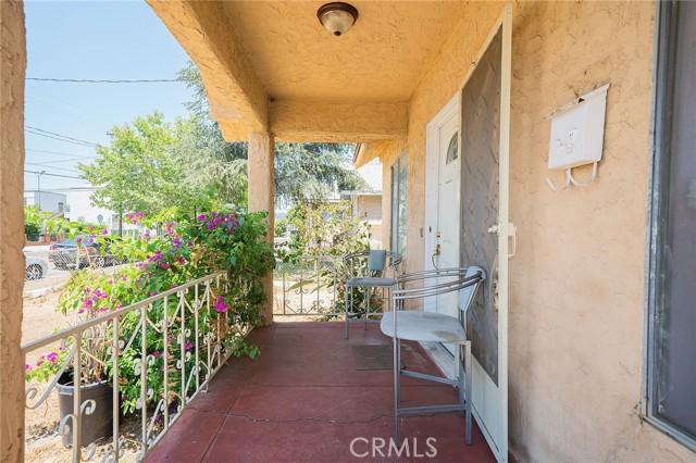 28. 1037 Mott Street San Fernando, CA 91340