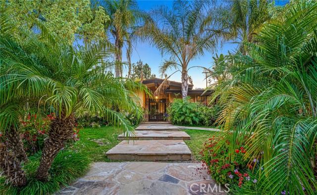 50. 5511 Fenwood Avenue Woodland Hills, CA 91367
