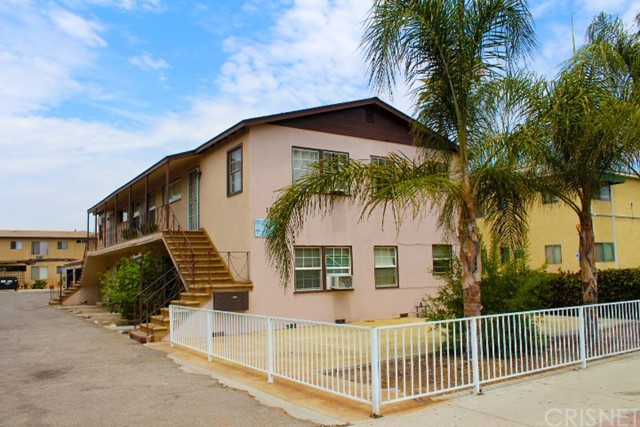 11445 Oxnard Street, North Hollywood, CA 91606