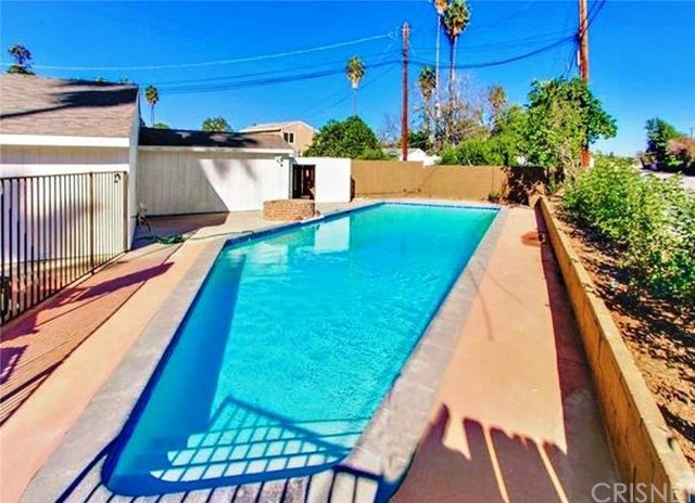 16723 Cantlay Street, Lake Balboa, CA 91406