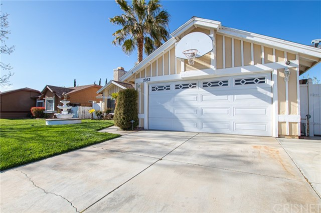 2053 Moonlight Court, Lancaster, CA 93550