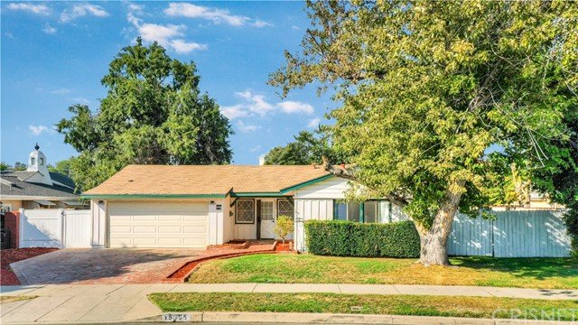Photo of 15955 Kalisher Street, Granada Hills, CA 91344