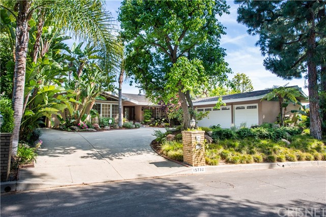 15732 High Knoll Road, Encino, CA 91436