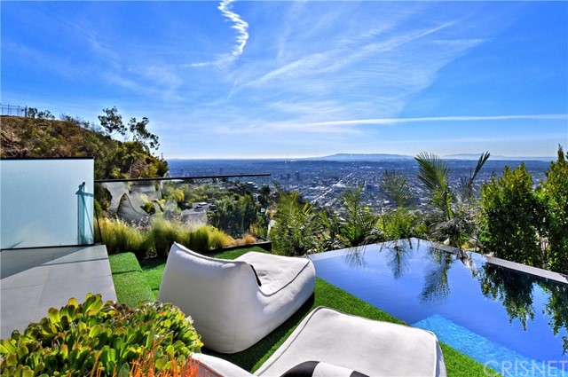 Image 20 of 1807 Blue Heights Dr, Los Angeles, CA 90069