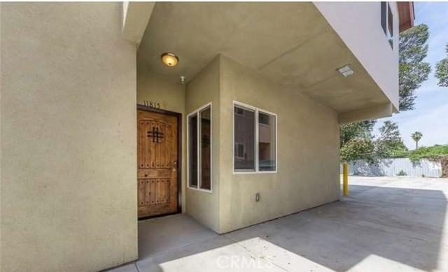 11815 Burbank Boulevard B, Valley Village, CA 91607