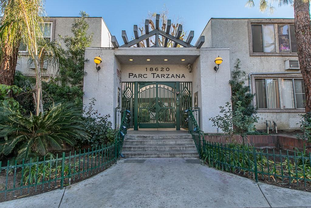 18620 Hatteras Street 122, Tarzana, CA 91356