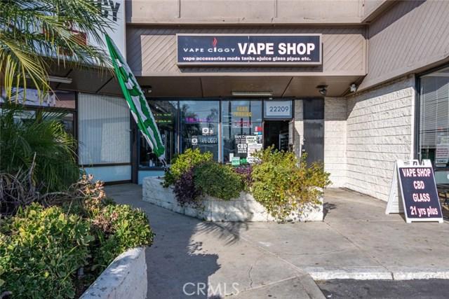 22209 Sherman Way, Canoga Park, CA 91303
