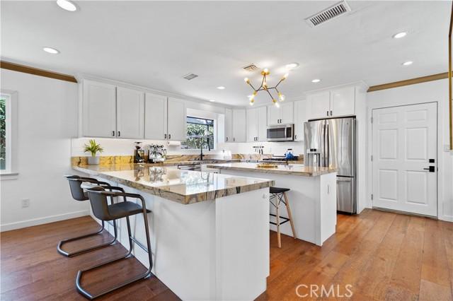 4. 5537 Bevis Avenue Sherman Oaks, CA 91411