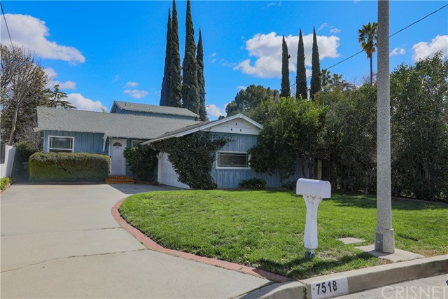7518 Newcastle Avenue, Reseda, CA 91335