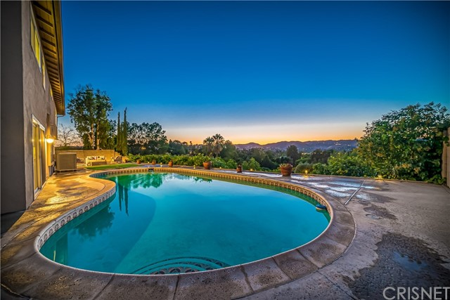 23251 Aetna Street, Woodland Hills, CA 91367