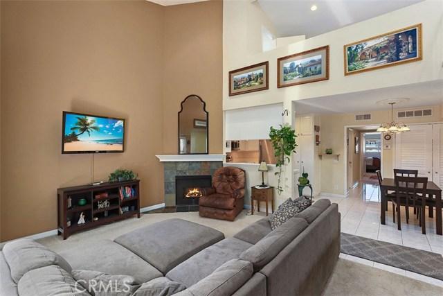 7005 Jordan Avenue 204, Canoga Park, CA 91303
