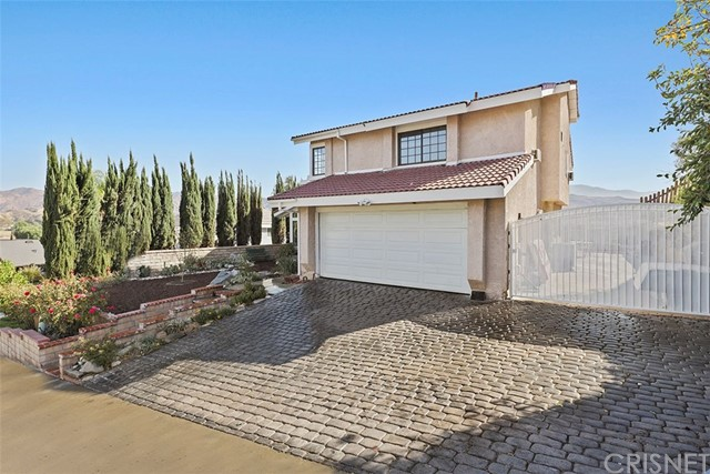 17324 Sarita Avenue, Canyon Country, CA 91387