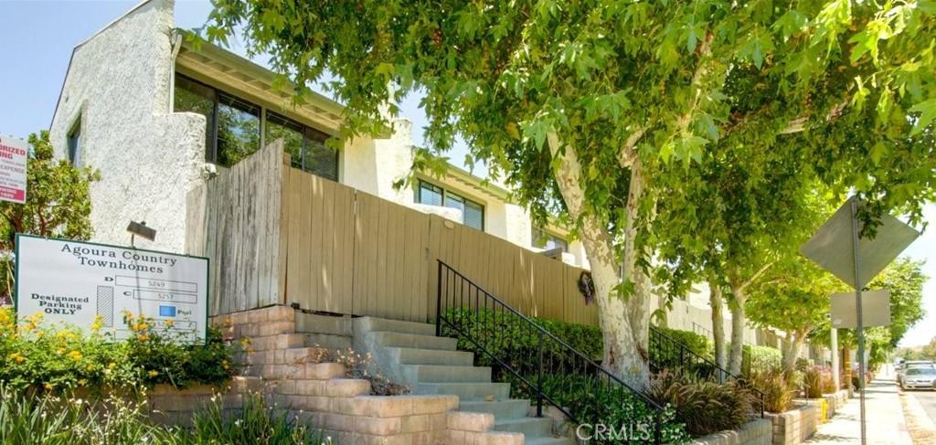 5269     COLODNY Drive   12, Agoura Hills CA 91301