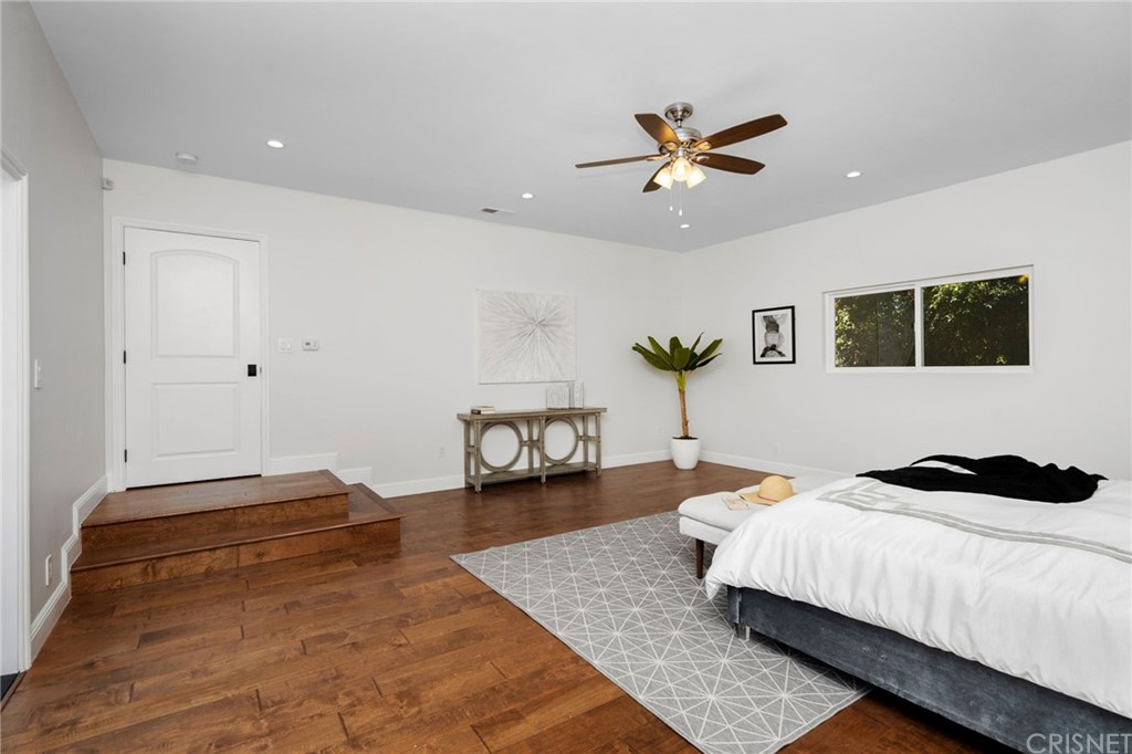 Upstairs Master Suite with High Ceilings, Mountain Views, and Large Balcony