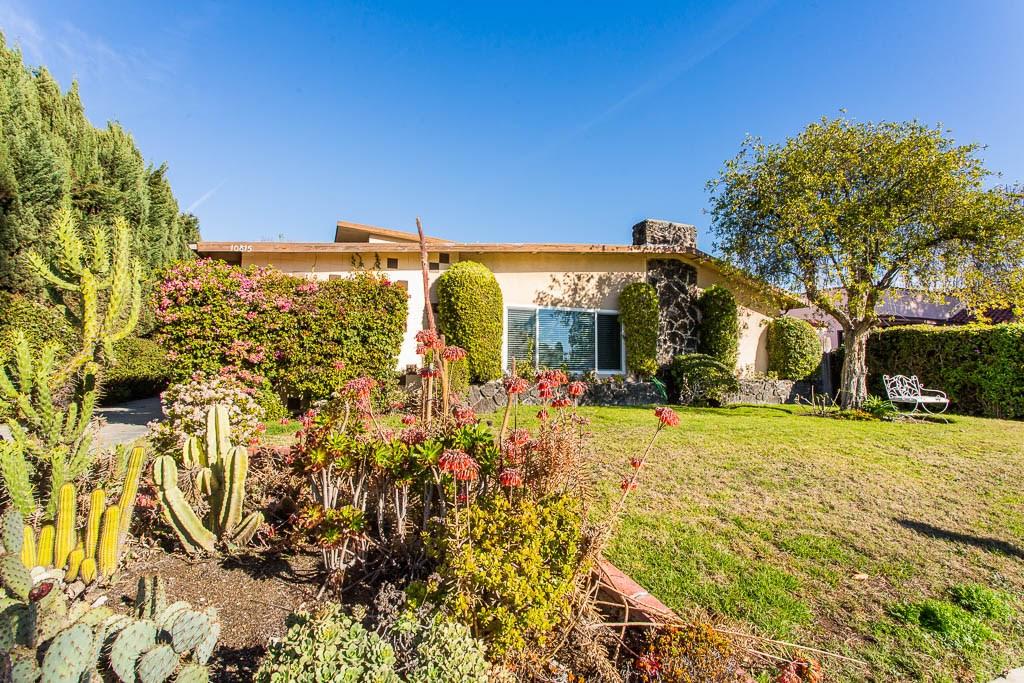 10815 Morrison Street, North Hollywood, CA 91601