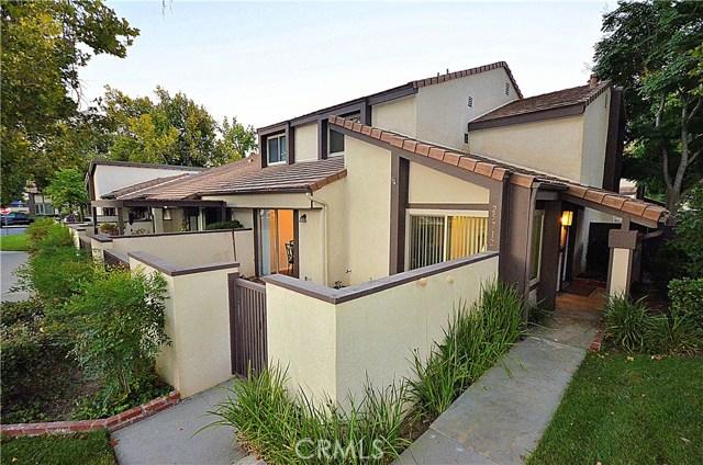 25712 Vista Fairways Drive, Valencia, CA 91355