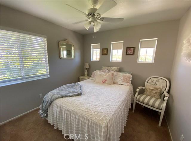 28042 Cascade Rd, Castaic, CA 91384 Photo 6