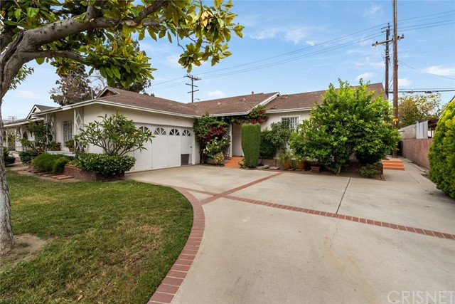 820 Gleneagles Avenue Pomona, CA 91768