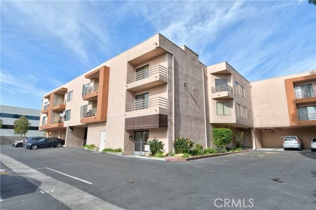 6815 Remmet Avenue 220, Canoga Park, CA 91303