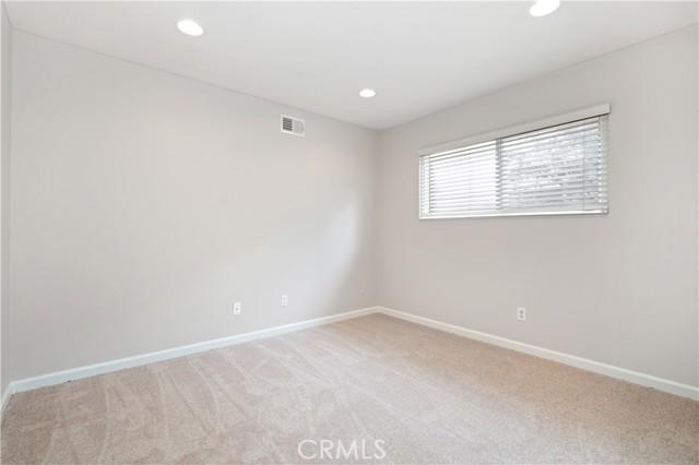 24. 1097 Finrod Court Westlake Village, CA 91361