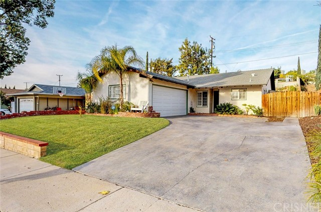 19733 Ermine Street, Canyon Country, CA 91351