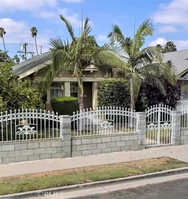 2. 3529 6th Avenue Los Angeles, CA 90018