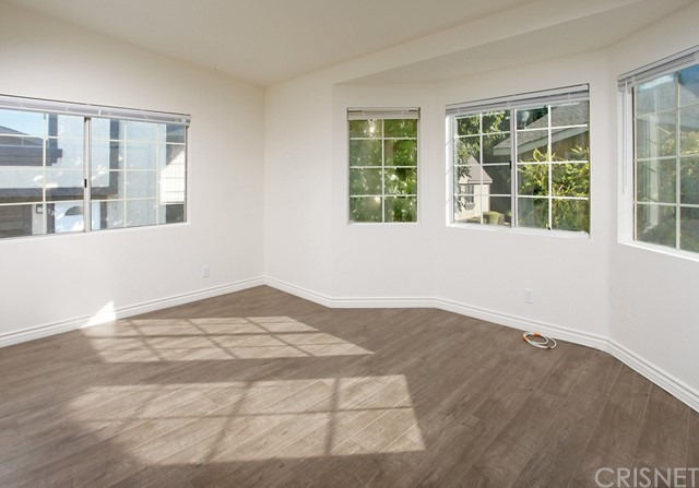 11300 Foothill Bl, Lakeview Terrace, CA 91342 Photo 4