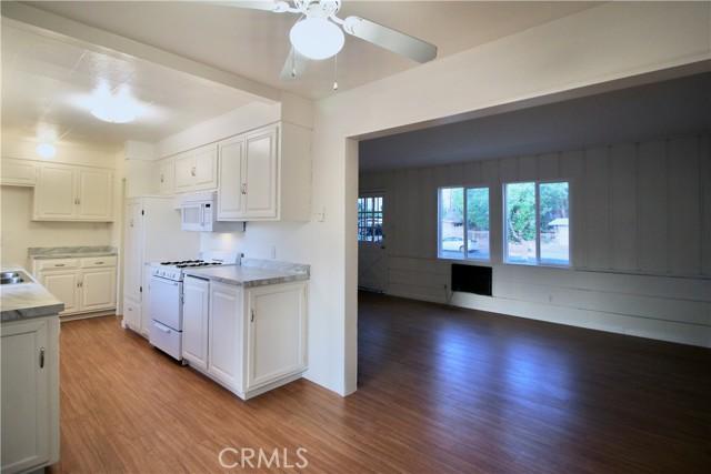 10007 Lemona Avenue, Mission Hills (San Fernando) CA: https://media.crmls.org/mediascn/cf3635b0-19d8-4ecc-b072-42f9d78260ff.jpg
