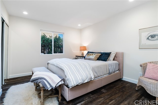 Image 23 of 816 N Mansfield Ave, Hollywood, CA 90038