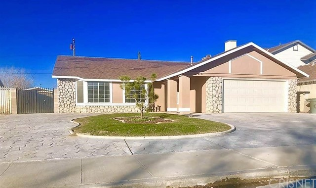 2121 Matthew Avenue, Rosamond, CA 93560