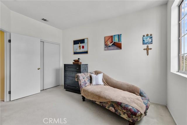 22. 776 Seneca Street Ventura, CA 93001