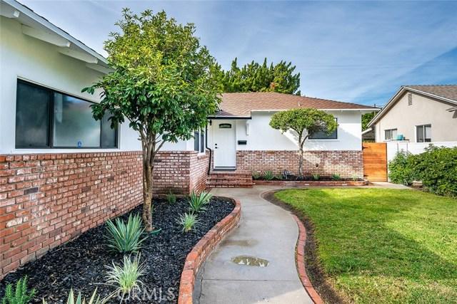 Photo of 5363 Garden Grove Avenue, Tarzana, CA 91356