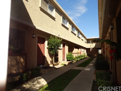 20203 Cohasset Street 2, Winnetka, CA 91306
